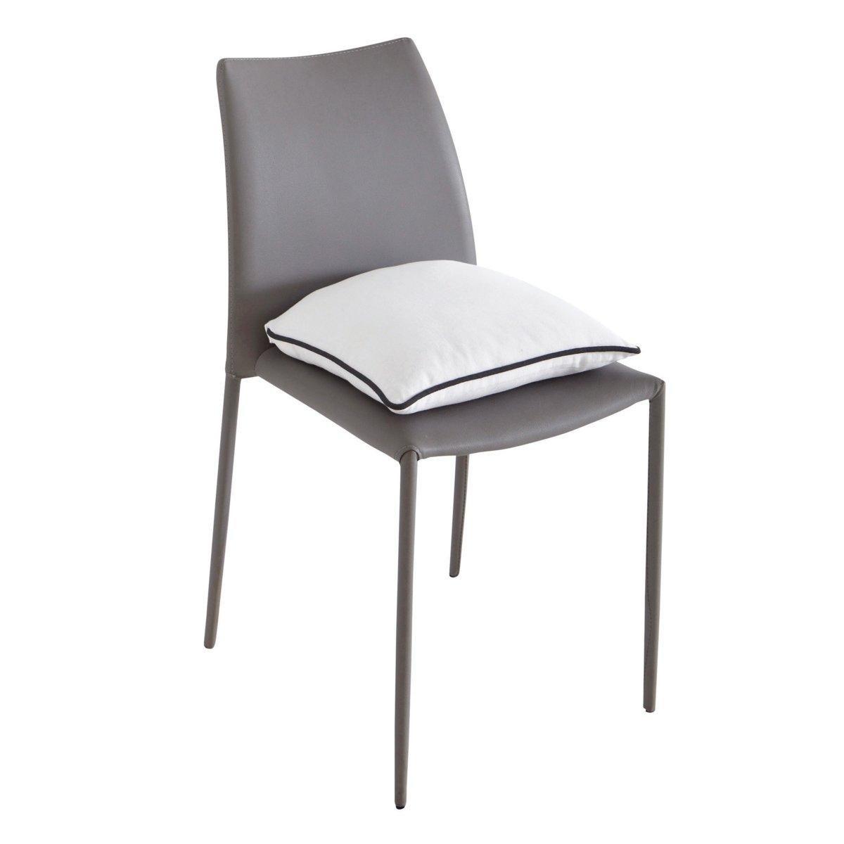Подушка для стула, BRIDGYМягкая, удобная подушка для стула существует в 5 модных расцветках с контрастным кантом. Сочетается с другими чехлами этой коллекции для мебели: кресел, диванов, стульев и для декоративных подушек, которые украсят Ваш интерьер! Коллекция предметов декора Valeur S?re - качественные изделия с красивой отделкой. Существует 5 однотонных расцветок и 1 принт в полоску (не для всех моделей). Все чехлы для мебели: кресел, диванов, стульев и для декоративных подушек (продаются отдельно на нашем сайте) отлично сочетаются. Состав, описание и уход: - 100% хлопок, отделка контрастным кантом. - Наполнитель: 100% полиэстера. - Съемный чехол. - Стирать при 40°C.- Застежка текстильная (липучка). - Размеры: 40 x 40 см, толщина: 4 см.Сертификат Oeko-Tex® дает гарантию того, что товары изготовлены без применения химических средств и не представляют опасности для здоровья человека.<br><br>Цвет: антрацит/светло-серый,белый/ черный,бордовый/антрацит,индиго/серый жемчужный,серо-бежевый/серо-коричневый,серо-коричневый/серо-бежевый,серый жемчужный/ белый,Сине-зеленый/черный<br>Размер: единый размер.единый размер.единый размер.единый размер.единый размер.единый размер