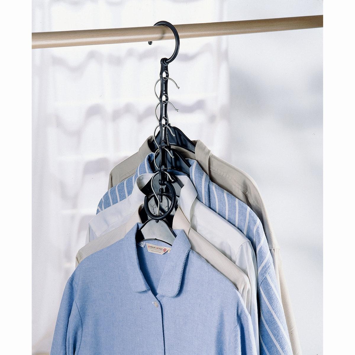 4 вешалки  Ar?glo, для экономии места, для галстуков/брюк/рубашек/ремнейПрекрасное решение для максимальной экономии места в шкафу!Характеристики вешалок для экономии места, Ar?glo:Из пластика ABSВешалка для рубашек: для 5 плечиков с рубашками.Вешалка для брюк: для 5 брюкВешалка для галстуков: для 24 галстуковВешалка для ремней: 2 кольца для размещения большого количества ремней!Можно вешать на перекладину в шкафу .Можно брать с собой в поездки и путешествия.Найдите коллекцию для хранения вещей на нашем сайте laredoute.ru.Вес вешалок, Ar?glo:Вес 0,700 кг.<br><br>Цвет: черный