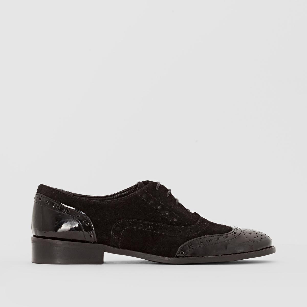 Ботинки-дерби кожаные из двух материаловДетали   •  Ботинки-дерби •  Высота каблука : 0 см •  Застежка : шнуровка •  Круглый мысок •  Гладкая отделкаСостав и уход   •  Верх 100% кожа<br><br>Цвет: черный<br>Размер: 36.42.41.40.39.38.37