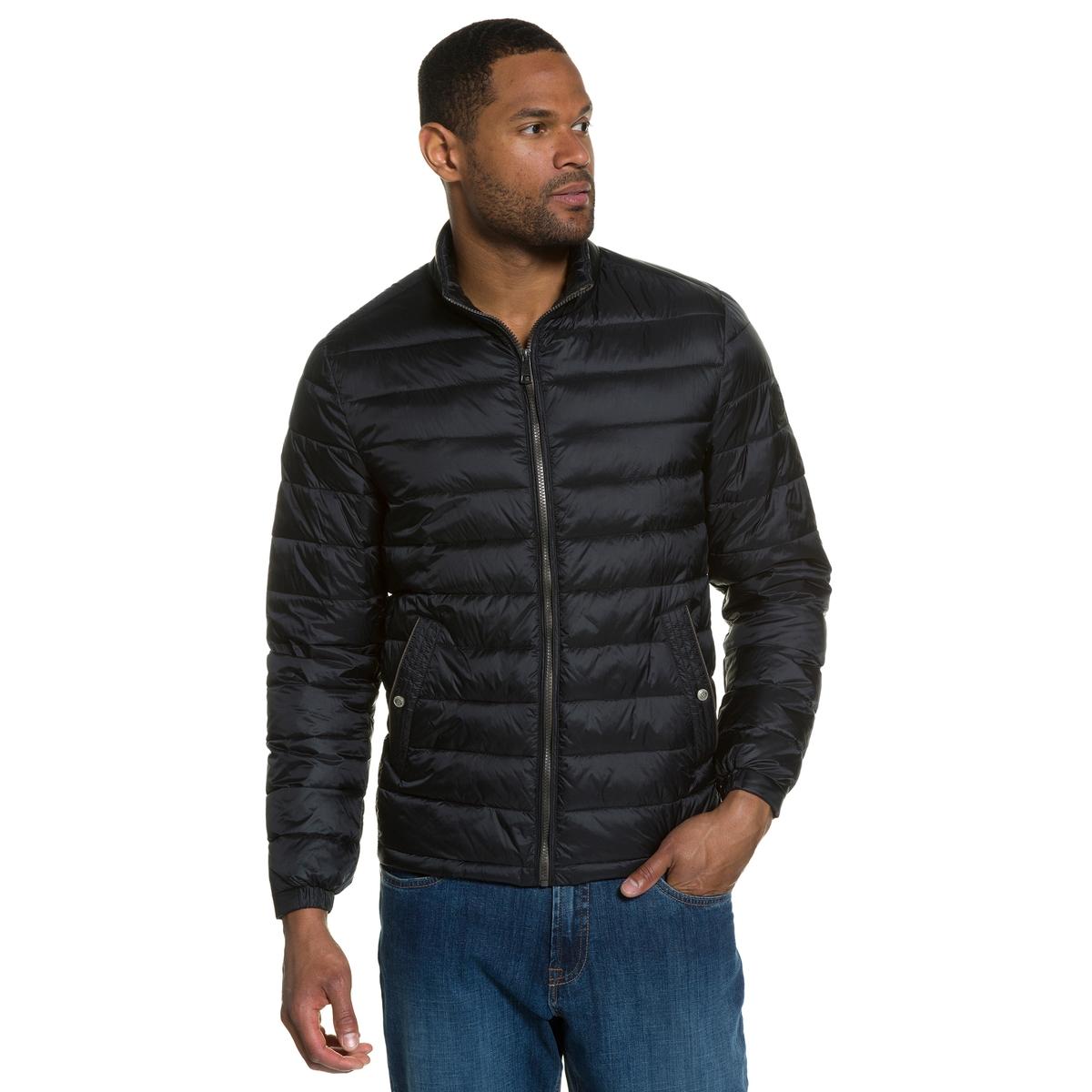 Куртка стеганаяОчень легкая и теплая куртка . Настоящее ощущение пуха ! Прямой воротник, на молнии, 2 кармана . Подкладка с карманами. Длина в зависимости от размера 70 - 79 см .<br><br>Цвет: черный