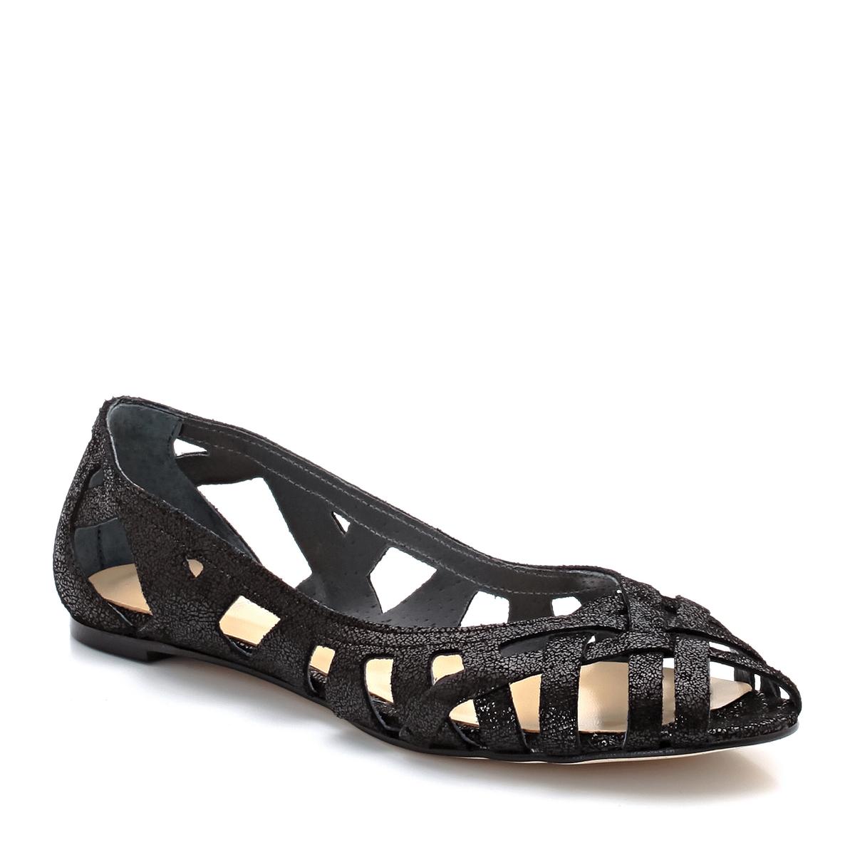 Балетки из ажурной кожи DerayВерх : Кожа.   Подкладка : Кожа.   Стелька : Кожа.   Подошва : эластомер   Форма каблука : плоский каблук   Носок : закругленный   Застежка : без застежки<br><br>Цвет: черный<br>Размер: 41