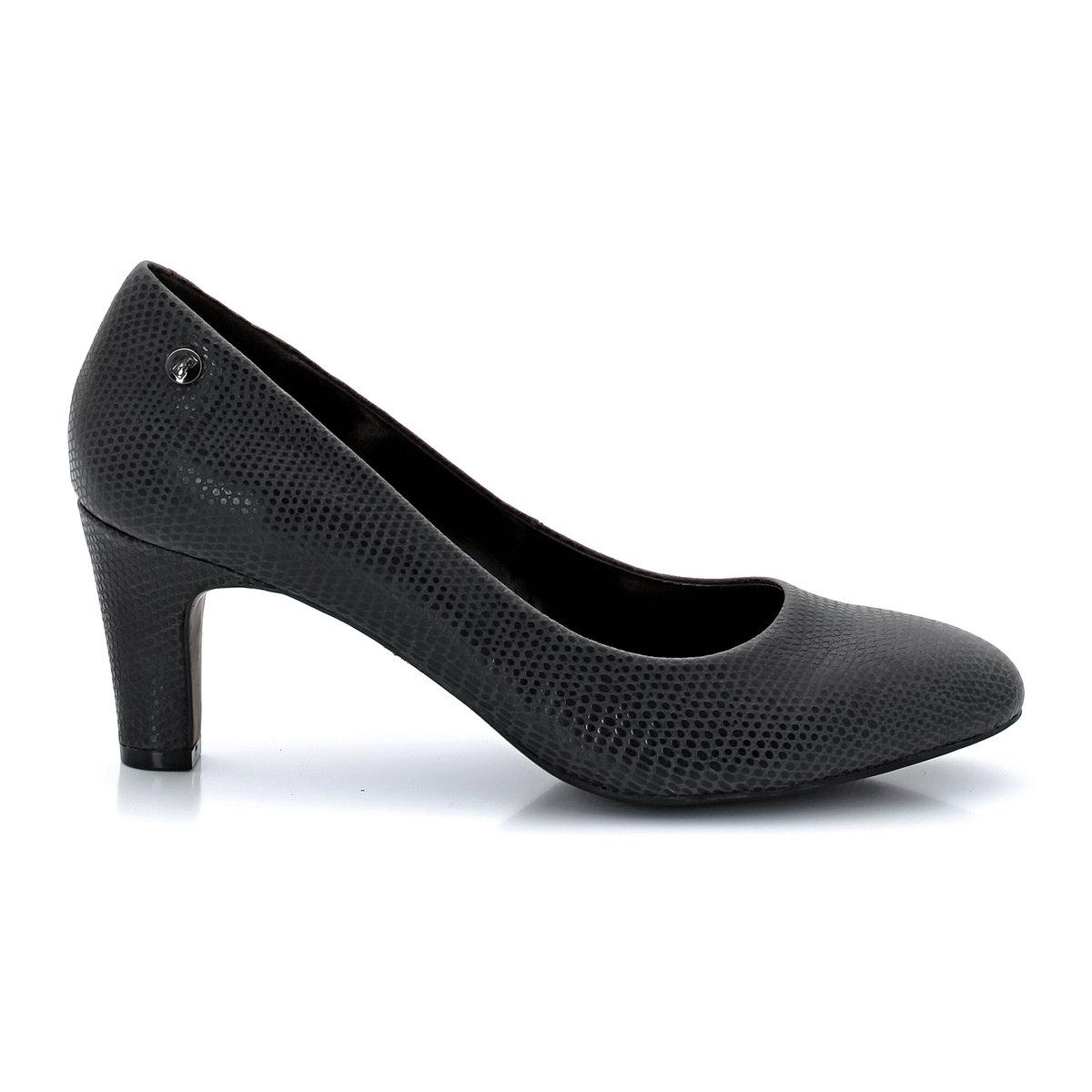 Туфли на высоком каблукеНеоспоримые плюсы: туфли в классическом стиле, и в то же время, с модными нотками этого сезона.<br><br>Цвет: черная ящерица<br>Размер: 37