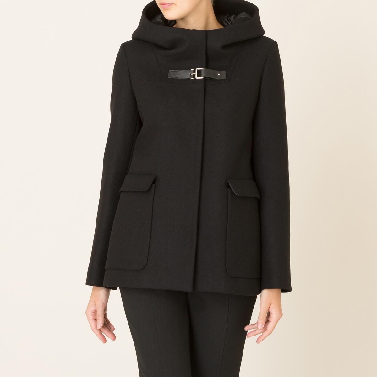 Пальто короткое из шерстяного драпаСостав и описание    Материал : 70% полиамида, 30% необработанной шерсти   Подкладка 100% ацетат   Марка : LA BRAND BOUTIQUE<br><br>Цвет: черный