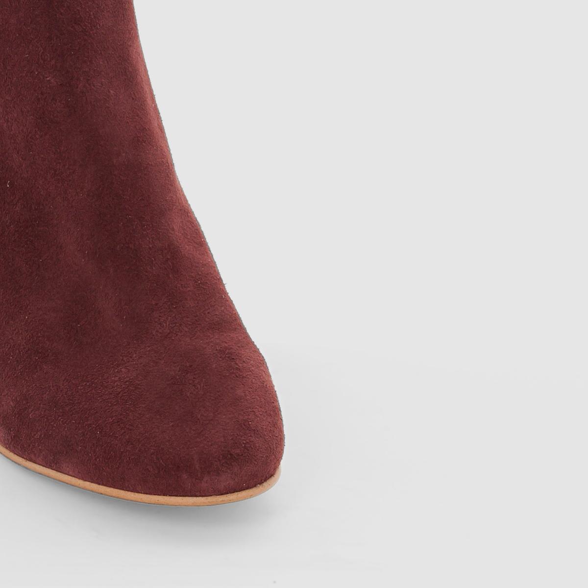 Ботильоны кожаные с кисточкойВерх/ Голенище : кожа         Подкладка : кожа         Стелька : кожа         Подошва : эластомер         Форма каблука : широкий         Мысок : закругленный          Застежка : на молнию<br><br>Цвет: пурпурный<br>Размер: 39
