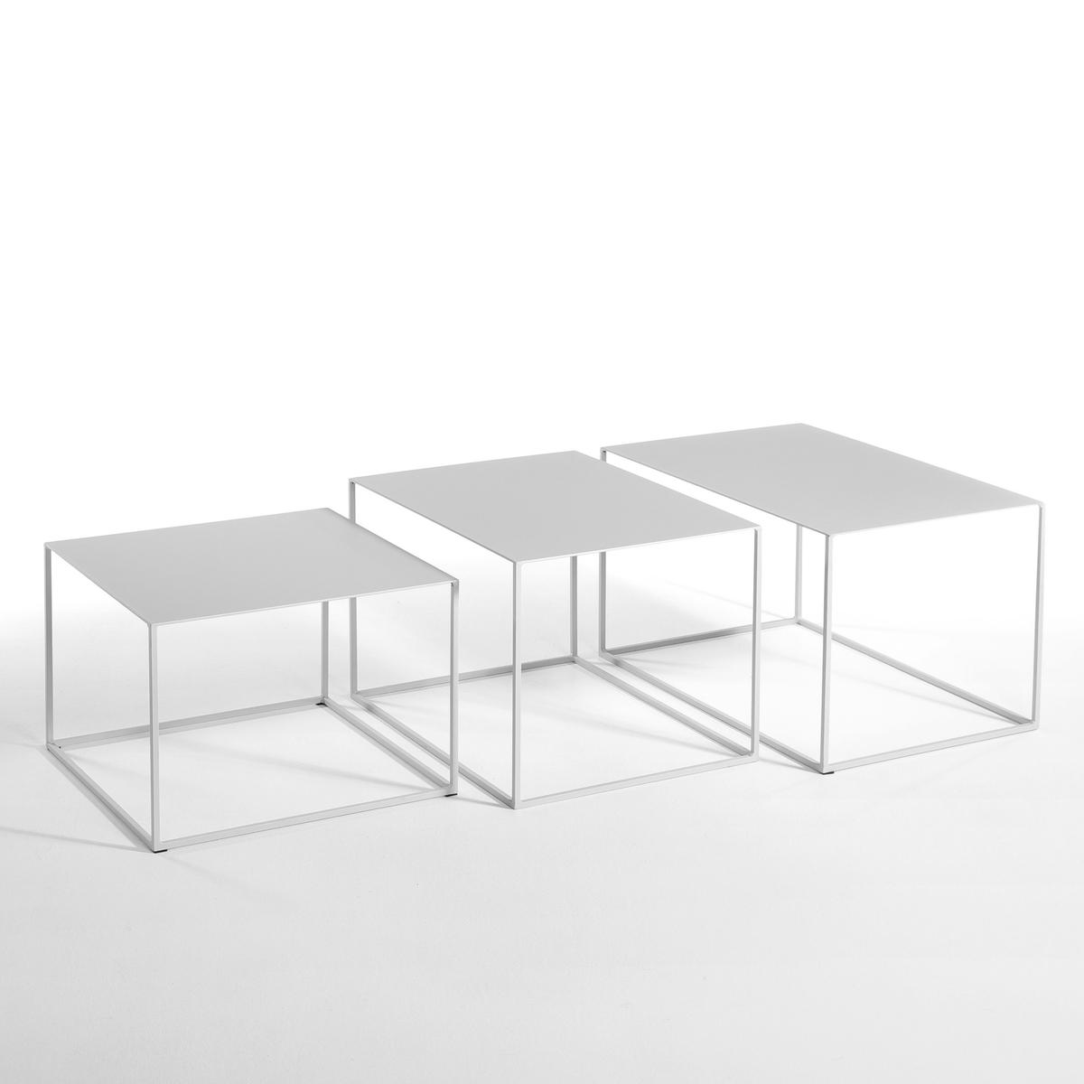 Столик Romy, квадратныйСтолик квадратный Romy . Очень элегантный благодаря своим ножкам из тонкой металлической трубки... Описание :   Из лакированного металла .Размеры : - 50 x 35 x 50 см .<br><br>Цвет: серый