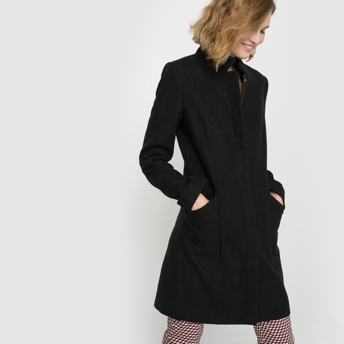 Пальто прямого покрояПальто прямого покроя. Высокий воротник. Супатная застежка на молнию и кнопки. Карманы по бокам. Состав и описаниеМатериал, черный цвет : 64% полиэстера, 30% шерсти, 3% вискозы, 2% акрила, 1% хлопка зеленый цвет  : 44% полиэстера, 34% шерсти, 13% вискозы, 4% полиамида, 3% хлопка, 2% акрила. синий цвет  : 61% полиэстера, 32% шерсти, 3% акрила, 3% полиамида, 1% вискозы Подкладка    100% полиэстерДлина    92 смМарка       R ?dition УходСухая чистка - Не отбеливать - Не гладить -Барабанная сушка запрещена<br><br>Цвет: черный
