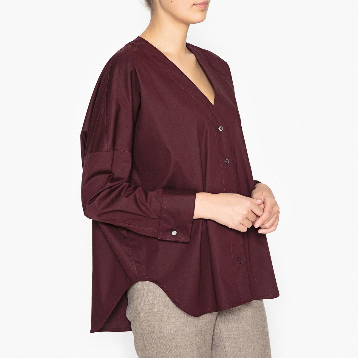 Рубашка свободная KATEРубашка PAUL AND JOE SISTER - модель KATE прямого покроя, V-образный вырез, из хлопкового поплина.Описание •  Длинные рукава  •  Прямой покрой  •   V-образный вырезСостав и уход •  97% хлопка, 3% эластана •  Следуйте рекомендациям по уходу, указанным на этикетке изделия   •  Карман на груди •  Низ закругленный, более длинный сзади •  Застежка на перламутровые пуговицы •  Рукава и манжеты мушкетерские.<br><br>Цвет: белый,бордовый<br>Размер: L