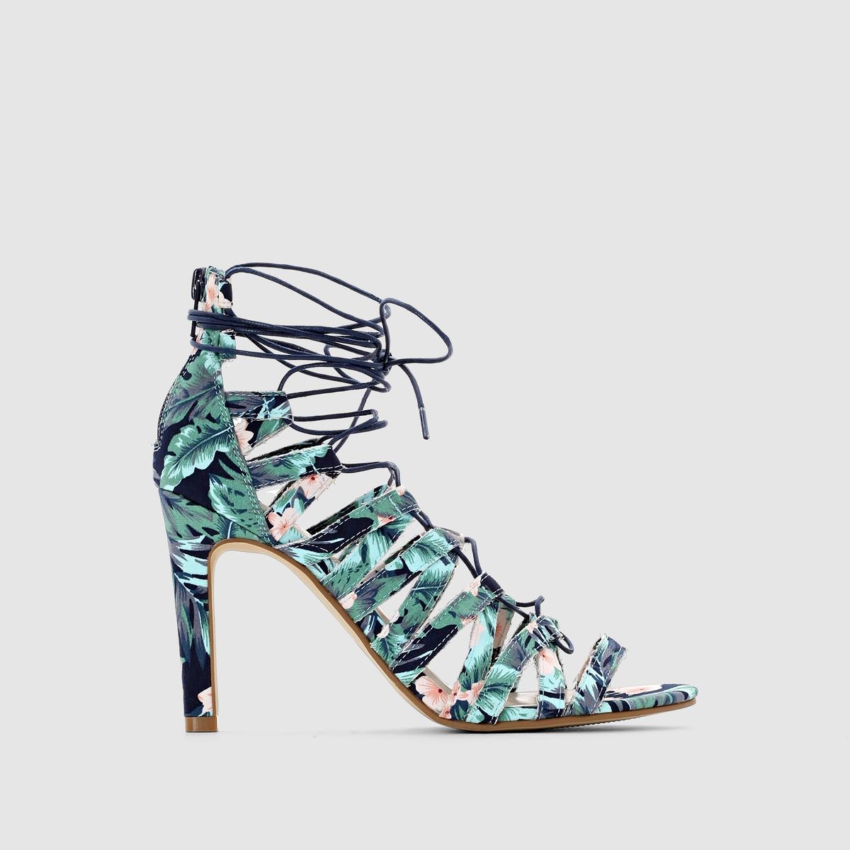 Босоножки на высоком каблукеОригинальная и женственная модель с разноцветным рисунком, источающая ощущение свободы. Застежка на шнуровку на щиколотке или икре.<br><br>Цвет: разноцветный<br>Размер: 37.38