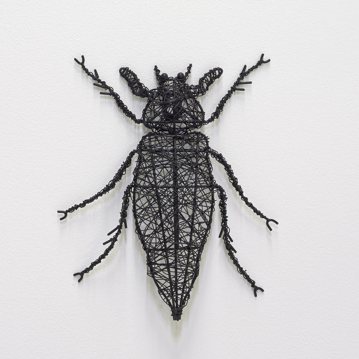 Насекомое металлическое MichiМайский жук.Из чёрного металла.Можно поставить или прикрепить на стену.Размеры:. 22 x 30 x 3 см.<br><br>Цвет: металл черный<br>Размер: единый размер