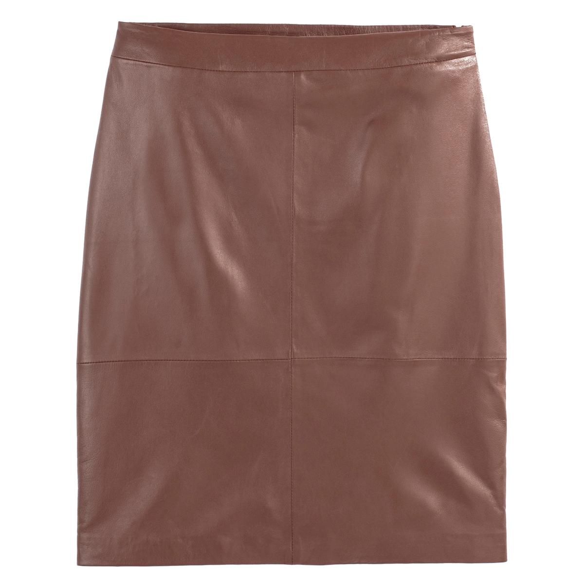 Falda recta de piel