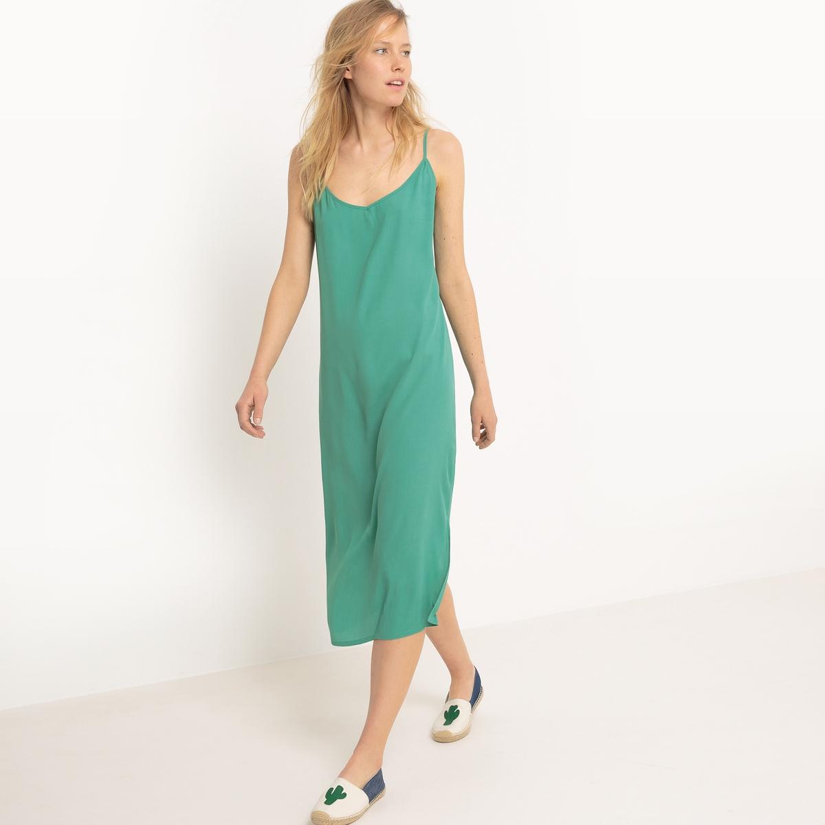 Платье длинное с тонкими бретелями из крепа, 100% вискозаМатериал : 100% вискоза  Длина рукава : тонкие бретели  Форма воротника : V-образный вырез Покрой платья : длинное платье Рисунок : однотонная модель  Особенность платья : глубокий вырез сзади Длина платья : длинное Стирка : машинная стирка при 30 °С в деликатном режиме Уход : гладить при средней температуре / не отбеливать Машинная сушка : запрещена Глажка : сухая чистка запрещена<br><br>Цвет: зеленый<br>Размер: 34 (FR) - 40 (RUS)