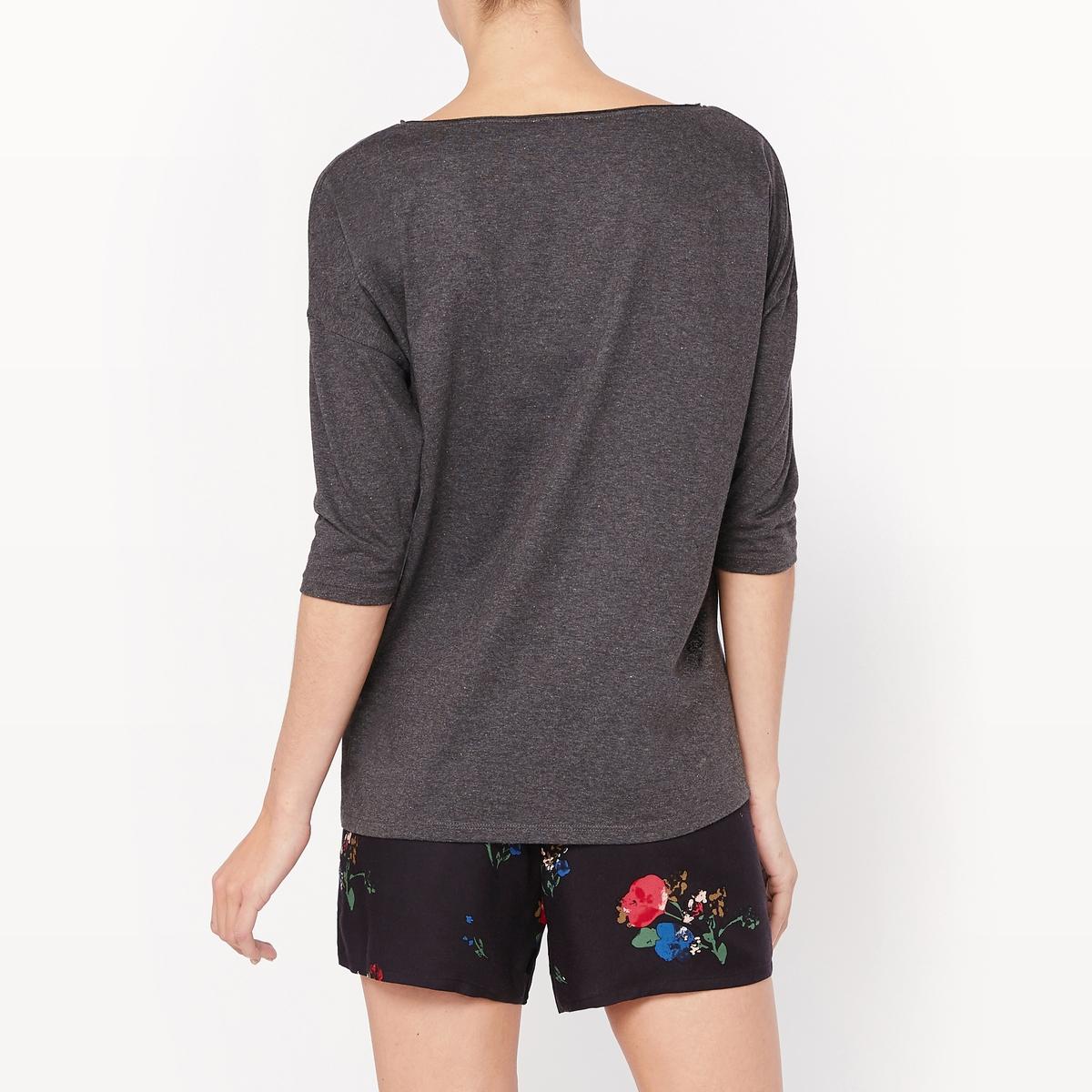 Пижама с шортами с рукавами 3/4Пижама с шортами. Футболка однотонного цвета из меланжевого трикотажа, вырез-лодочка. Приспущенные проймы, рукава 3/4. Шорты с цветочным рисунком, эластичный пояс.Состав и описание :Материал : футболка, 53% полиэстера, 47% хлопкаМатериал : шорты, 100% вискозаДлина : футболка 65 смДлина по внутр.шву : 6 смУход :Машинная стирка при 30 °C.Стирать с вещами схожих цветов.Гладить с изнаночной стороны.<br><br>Цвет: цветочный рисунок