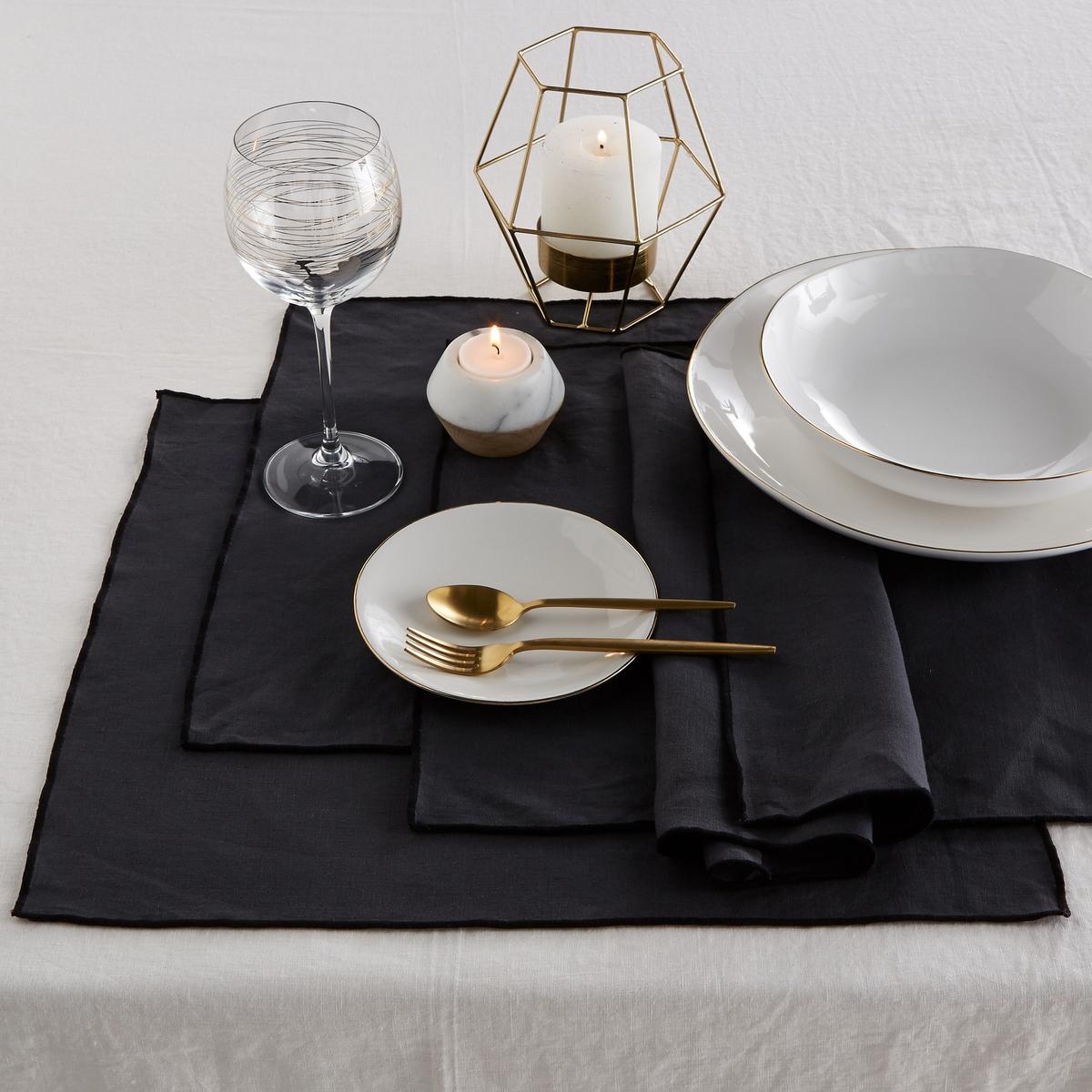 4 салфетки под тарелку льняные Taraka4 салфетки под тарелкуTaraka, 100% лен. Эти салфетки совмещают в себе природную мягкость льна и изысканность тонкой отделки черного цвета. Скатерти, салфетки и дорожки для стола в продаже на сайте. Состав : - 100% лен, подкладка: ленРазмер : - ширина 46 x длина 35 смЗнак Oeko-Tex® гарантирует, что товары протестированы, сертифицированы и не содержат вредных для здоровья веществ.<br><br>Цвет: антрацит,белый