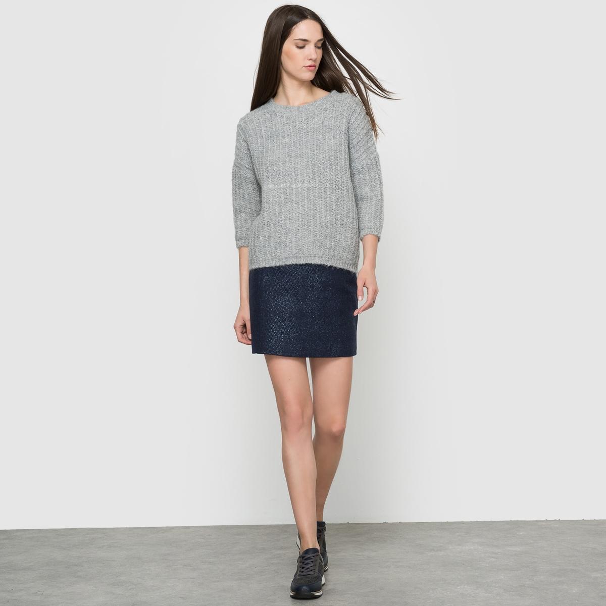 Юбка короткая.Короткая твидовая юбка с серебристым отливом. Застёжка на скрытую молнию сзади. Состав и описание:Материал: 100% полиэстера.Подкладка: 100% хлопка.Длина: 42 см.Марка: SUD EXPRESS.<br><br>Цвет: синий<br>Размер: 38 (FR) - 44 (RUS).40 (FR) - 46 (RUS)