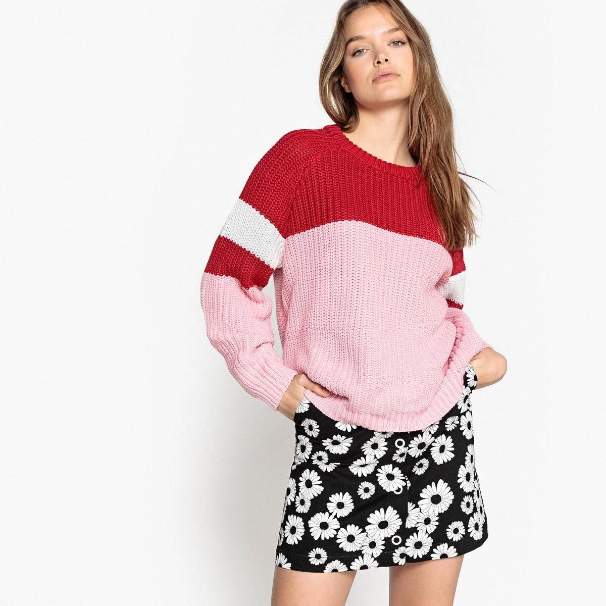 Bawełniany sweter z okrągłym dekoltem z grubej dzianiny z guzikami z boku