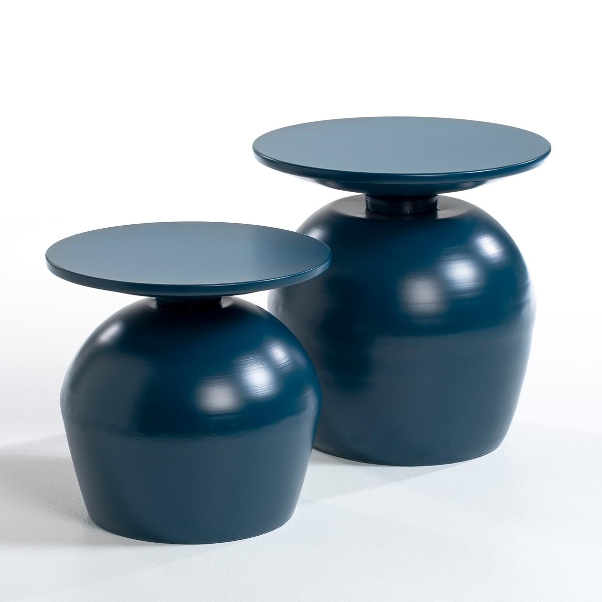 Столик из металла, LotharСтолик Lothar. Столик из металла удивительной формы, напоминающей перевернутый бокал, придаст вашему интерьеру необычный штрих . Описание : - Из металла . Размеры : - размер 1 : ?40 x 37 см . - размер 2 : ?45 x 46 см .<br><br>Цвет: светло-синий<br>Размер: размер 2