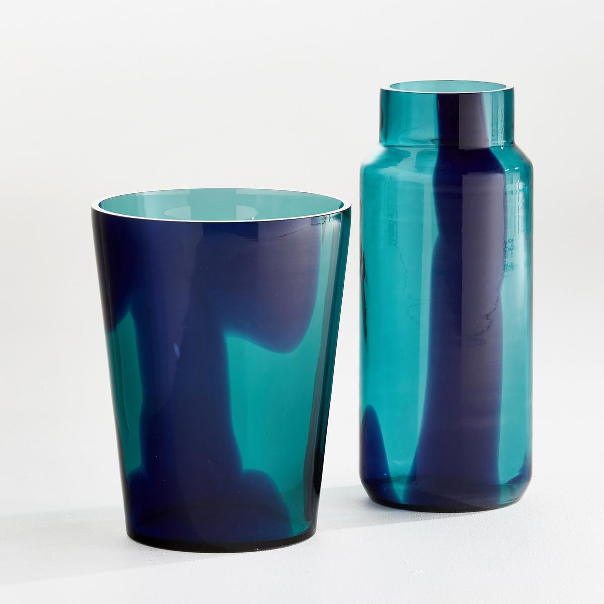 Ваза в форме бутыли, OdomarВаза Odomar. Очень красивый эффект капель краски, растворяющихся в бирюзовой воде... Из стекла. Размеры. : Диаметр 13,5 x высота 34,5 см.<br><br>Цвет: зеленый/ синий,янтарь