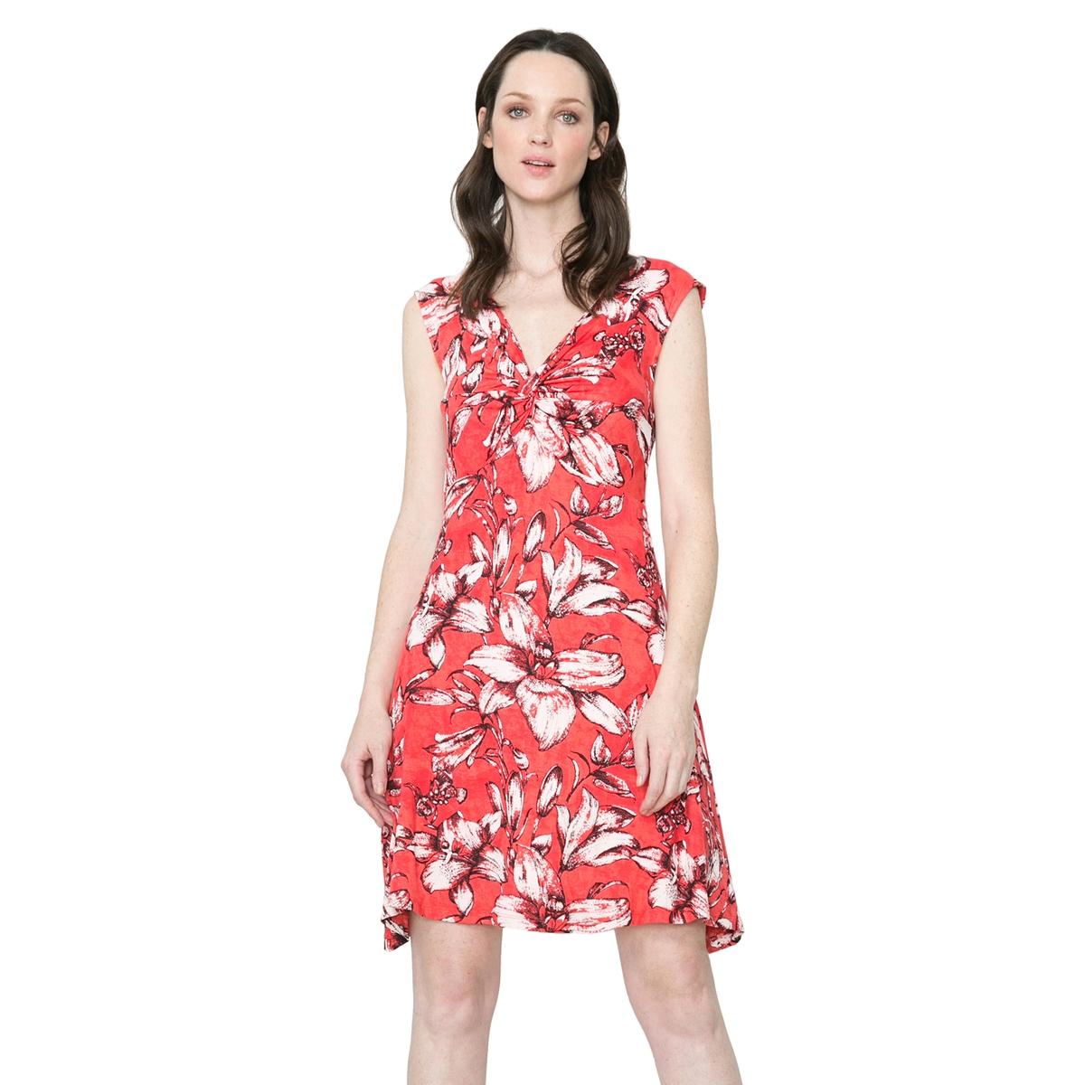 Платье без рукавов, с принтом, вуаль на подкладке  DESIGUAL, Vest JuanaПлатье без рукавов Vest Juana от DESIGUAL  . Вуаль на подкладке внизу . Принт на юбке . Состав и детали :Материал : 100% полиэстер Марка : DESIGUALУходМашинная стирка при 30°C<br><br>Цвет: красный наб. рисунок