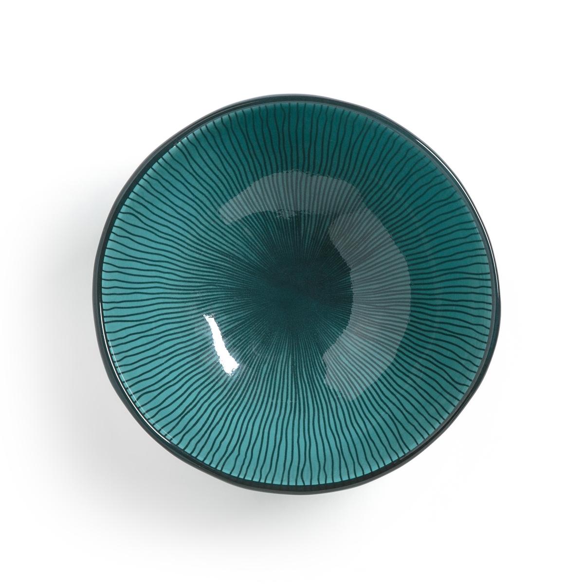 Комплект из 4 чаш двух цветов, SOLJANEОписание:Комплект из 4 чаш La Redoute Interieurs с рисунком в виде линий с внутренней стороны и контрастным краем. Характеристики 4 чаш : •  Эмалированная керамика •  Волнистый контур •  Подходит для мытья в посудомоечной машинеРазмеры 4 чаш : •  Диаметр : 14 см •  Высота : 5 смВсю коллекцию столового декора вы найдете на сайте laredoute.ru<br><br>Цвет: голубой,сине-зеленый