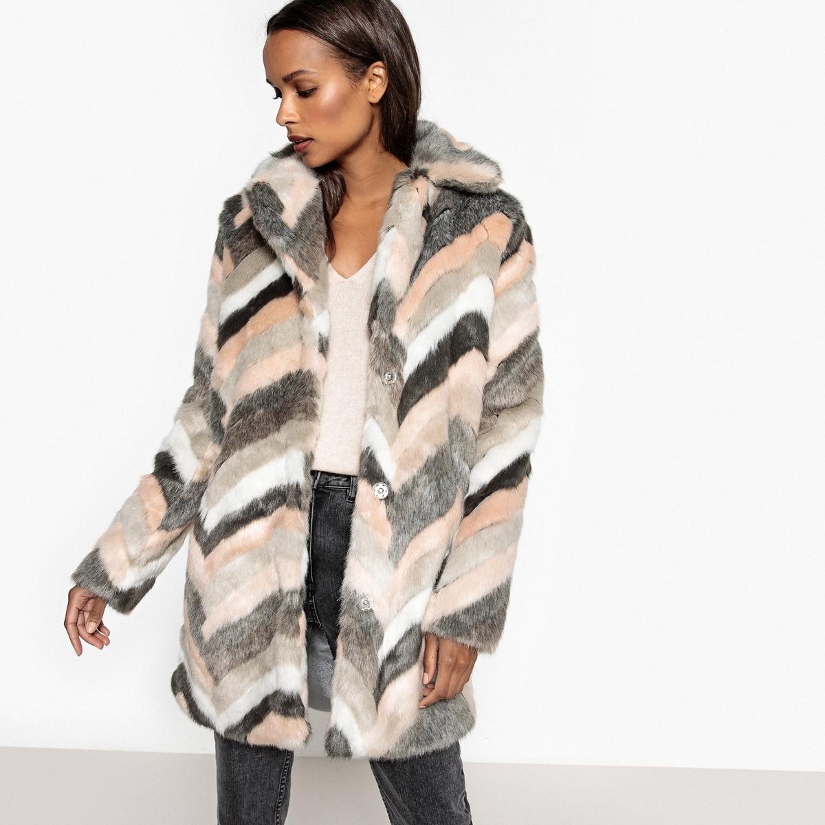 Пальто из искусственного мехаОригинальное и модное пальто с искусственным мехом - уникальная модель ! Красивый прямой покрой и яркая расцветка  . Пальто в винтажном стиле !Детали •  Длина : средняя •  Шалевый воротник •  Рисунок-принт •  Застежка на кнопкиСостав и уход •  100% полиэстер •  Подкладка : 100% полиэстер • Не стирать •  Деликатная чистка/без отбеливателей •  Не использовать барабанную сушку   •  Низкая температура глажки •  Длина : 85 см<br><br>Цвет: розовый разноцветн.<br>Размер: 36 (FR) - 42 (RUS)
