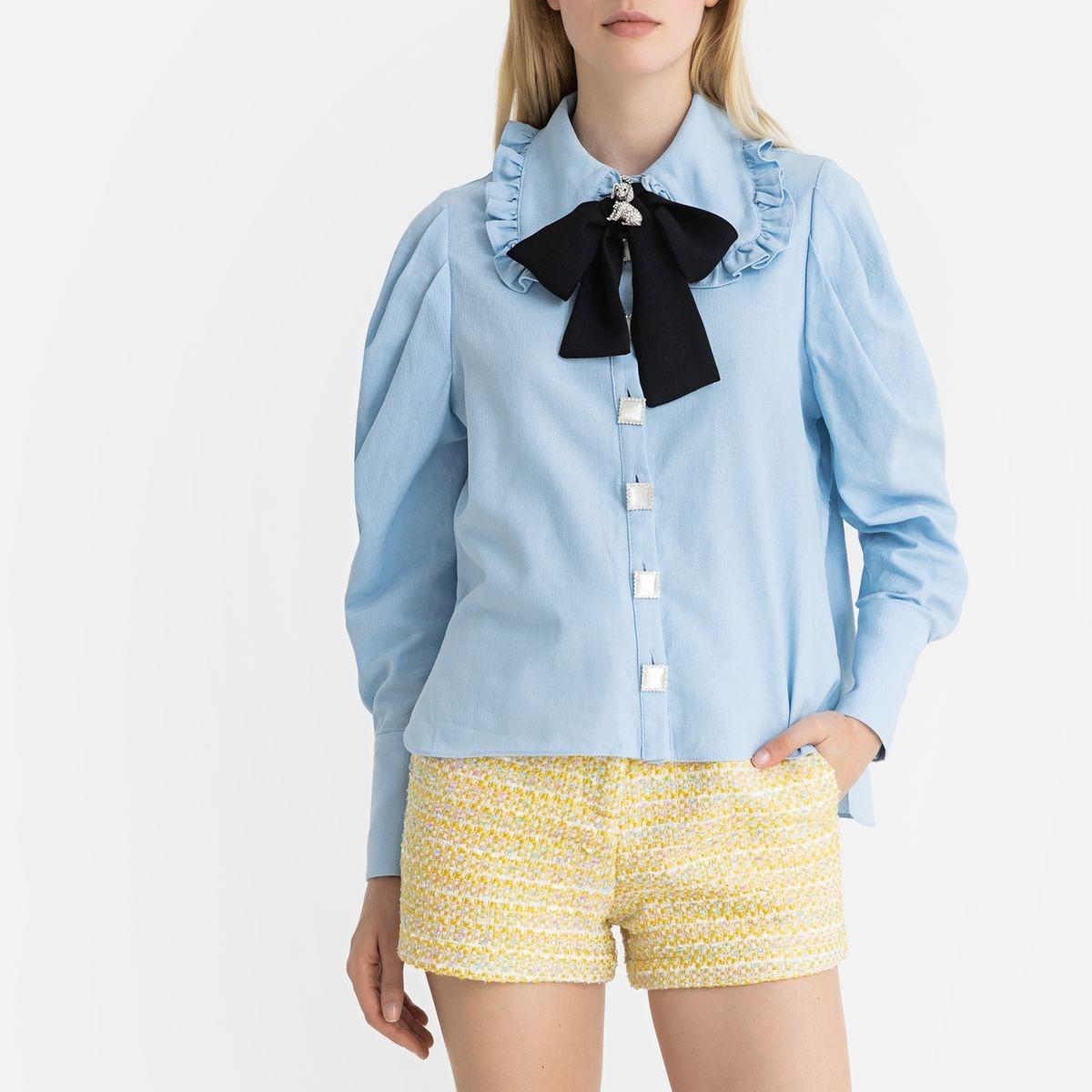 Chemise à lavallière et grand col, manches longues