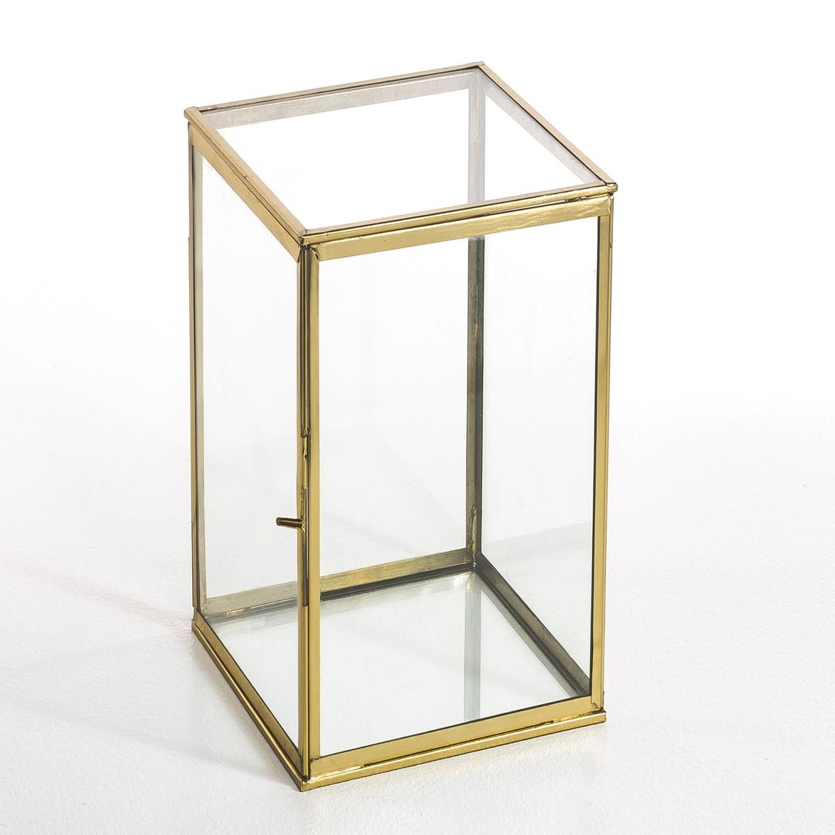 Коробка-витрина, MisiaКоробка-витрина в форме трапеции, Misia. Можно расположить вертикально или горизонтально . Симпатичный макси формат идеален для выделения различных предметов  . Описание : - Выполнена из стекла и металла- Медная отделка, черного или золотистого цвета .- Ремесленное производство, собрана вручную Размеры : - 40 x 20 x 20 см .<br><br>Цвет: латунь,черный металл<br>Размер: единый размер