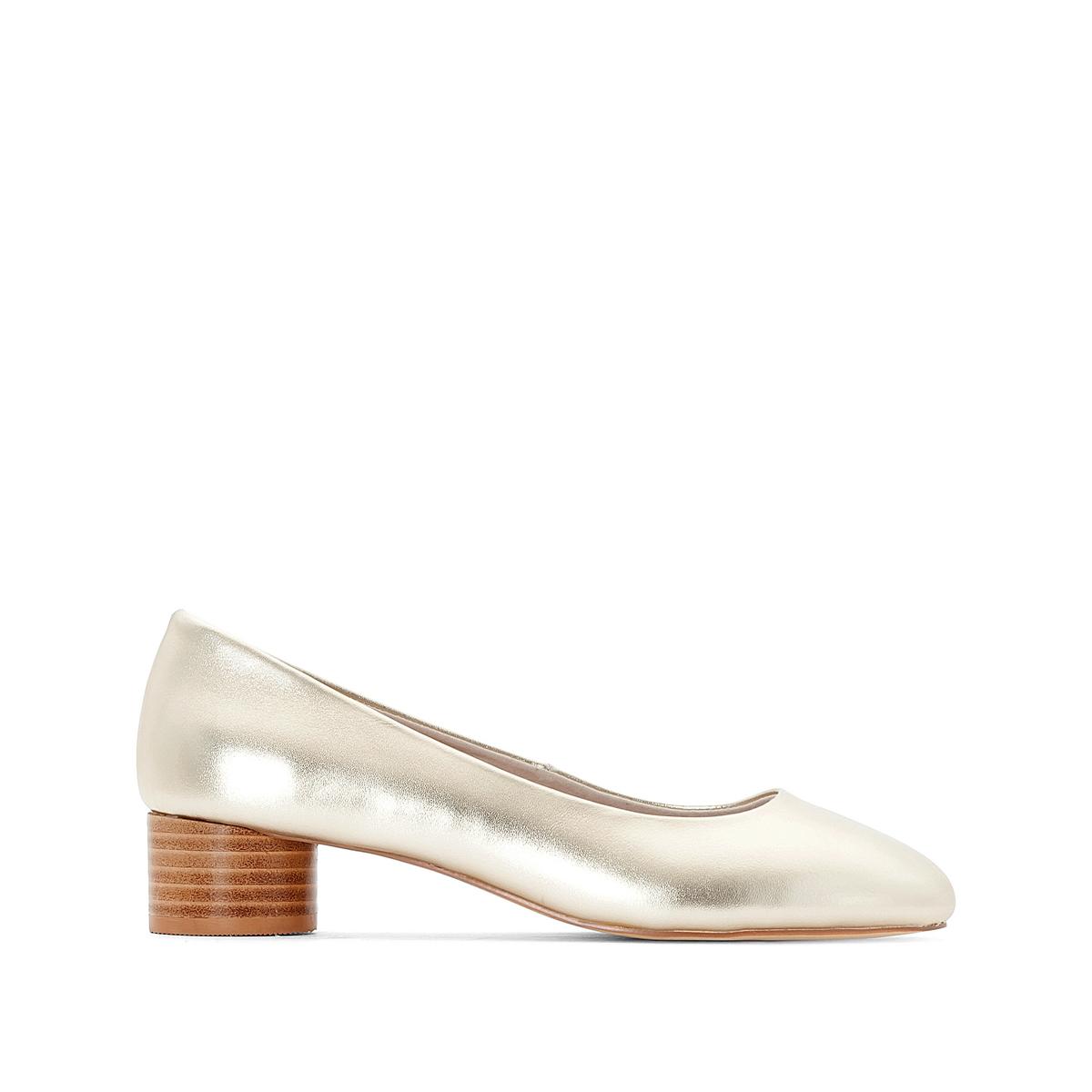 Туфли на круглом каблуке с металлическим блеском