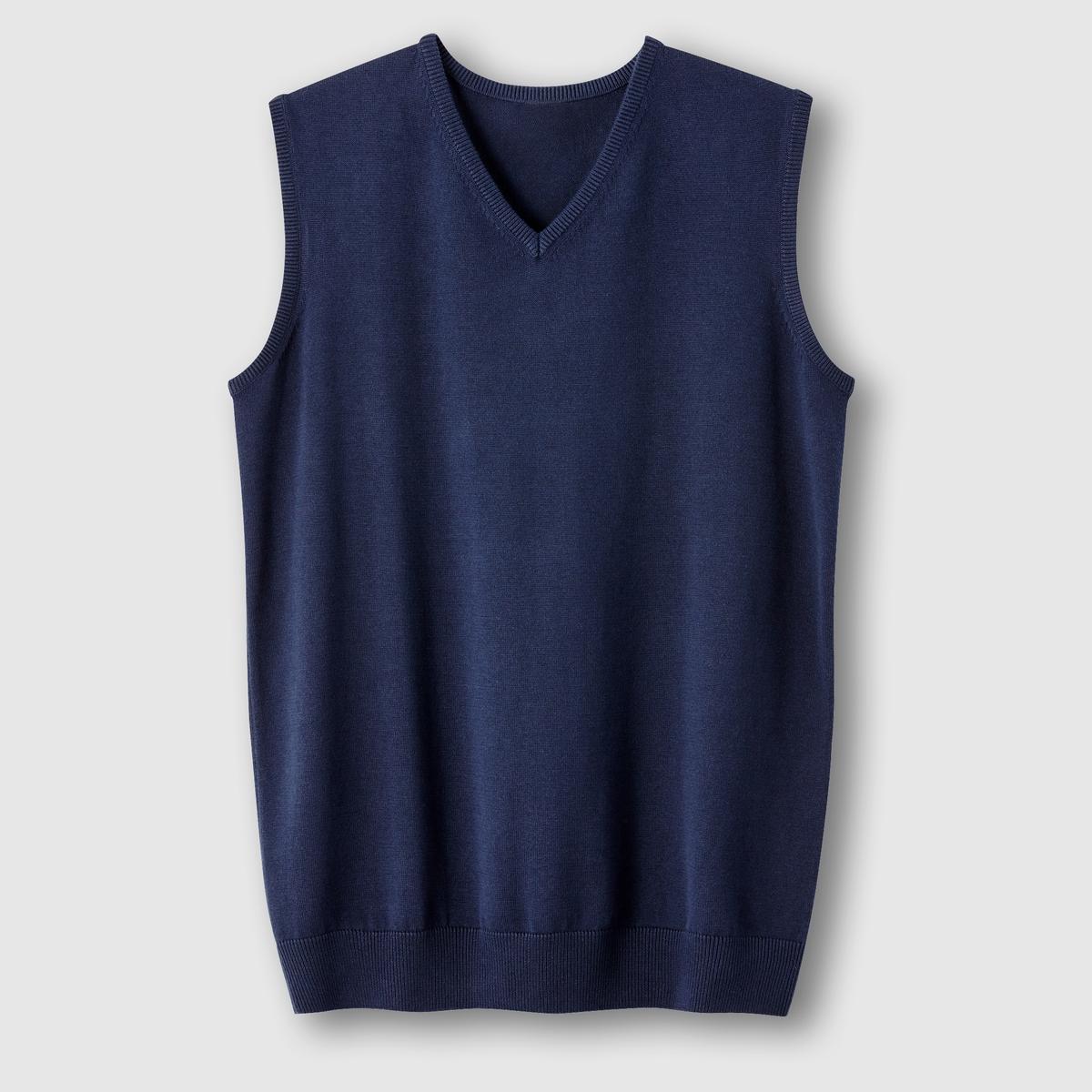 Пуловер без рукавов с V-образным вырезомПуловер без рукавов. V-образный вырез. Края выреза, низа и проймы рукавов связаны в рубчик. Трикотаж, 100% хлопок. Длина 72 см.<br><br>Цвет: темно-синий<br>Размер: 66/68