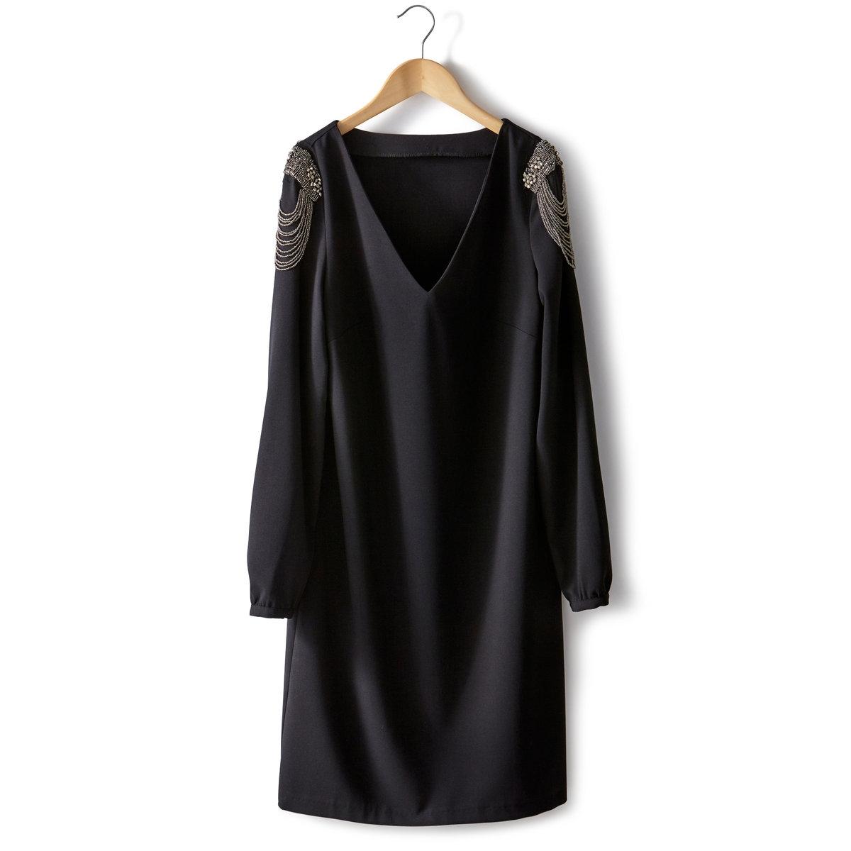 Платье с декоративной отделкой Soft GreyПлатье с декоративной отделкой Soft Grey. V-образный вырез. Длинные рукава с декоративной отделкой бахромой на плечах. 62% полиэстера, 33% вискозы, 5% эластана. Длина 90 см.<br><br>Цвет: черный<br>Размер: 40 (FR) - 46 (RUS)