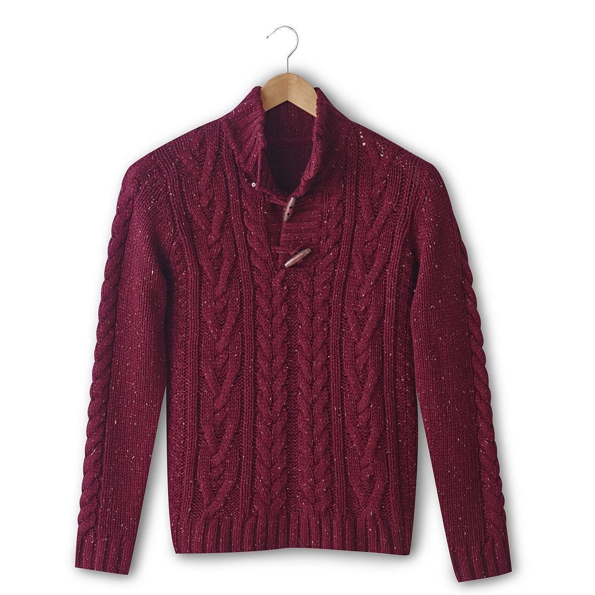 Пуловер с узором косы и высоким воротникомПуловер с узором косы, 85% акрила, 15% шерсти. Высокий воротник. Застежка на фигурные пуговицы. Длина 67 см.<br><br>Цвет: бордовый<br>Размер: XL