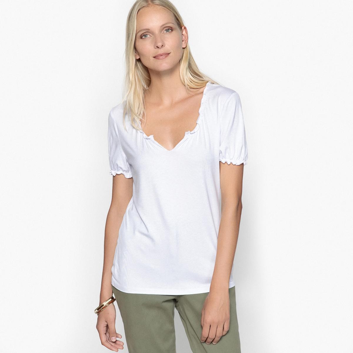 Футболка оригинальная из мягкого трикотажаОписание:Оригинальная футболка. Выбирайте эту футболку из эластичного джерси и наслаждайтесь мягким трикотажем, комфортным и женственным.Детали •  Короткие рукава •  Круглый вырезСостав и уход •  95% вискозы, 5% эластана •  Следуйте рекомендациям по уходу, указанным на этикетке изделия •  Оригинальный вырез и короткие рукава со сборками и воланами. •  Длина  : 65 см<br><br>Цвет: белый,бирюзовый,темно-синий<br>Размер: 46/48 (FR) - 52/54 (RUS).46/48 (FR) - 52/54 (RUS).38/40 (FR) - 44/46 (RUS).46/48 (FR) - 52/54 (RUS).42/44 (FR) - 48/50 (RUS).42/44 (FR) - 48/50 (RUS)