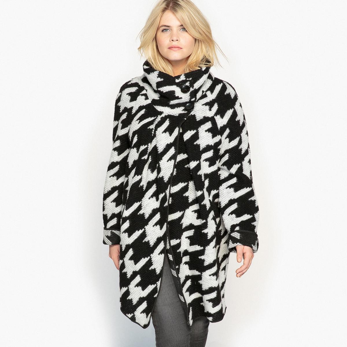 ПальтоОписание:Оригинальное асимметричное пальто с жаккардовым рисунком. Изящное пальто отлично подойдет к брюкам-слим.Детали •  Длина : средняя •  Воротник-стойка •  Жаккардовый рисунок •  Застежка на молниюСостав и уход •  33% шерсти, 67% полиэстера •  Температура стирки при 30° на деликатном режиме   • Низкая температура глажки / не отбеливать   •  Не использовать барабанную сушку   • Сухая чистка запрещенаТовар из коллекции больших размеров •  Длина : 97,8 см<br><br>Цвет: гусиная лапка<br>Размер: 58 (FR) - 64 (RUS).46 (FR) - 52 (RUS).44 (FR) - 50 (RUS).48 (FR) - 54 (RUS).54 (FR) - 60 (RUS).56 (FR) - 62 (RUS)