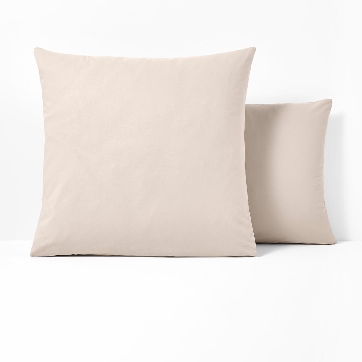 Наволочки из поликотонаКвадратная и прямоугольная наволочки из ткани 50% хлопка, 50% полиэстера плотного переплетения (57 нитей/см?) : длительный комфорт, отличная прочность. Чем больше плотность переплетения нитей/см?, тем качественнее материал.Характеристики наволочек из поликоттона без волана:- Наволочки (квадратная или прямоугольная) имеют широкий клапан для надёжного удерживания подушки.- В форме чехла, без воланов .- Отличная стойкость цветов к стиркам (60 °C), быстрая сушка, глажка не требуется.                                                                                                                                                                       Преимущества   : великолепная гамма очень современных оттенков для сочетания по желанию с простынями и пододеяльниками SCENARIO и рисунками коллекции. Знак Oeko-Tex® гарантирует, что товары протестированы и сертифицированы, не содержат вредных веществ, которые могли бы нанести вред здоровью.                                                                                                          Наволочка :50 x 70 см : прямоугольная наволочка63 x 63 см : квадратная наволочка                                                                                                                               Найдите другие предметы постельного белья SC?NARIO на нашем сайте<br><br>Цвет: антрацит,белый,бледный сине-зеленый,вишневый,голубой бирюзовый,зеленый,нежно-розовый,розовое дерево,светло-бежевый,серо-коричневый каштан,Серо-синий,серый жемчужный,смородиновый,фиолетовый,черный<br>Размер: 63 x 63  см.63 x 63  см.63 x 63  см.63 x 63  см.50 x 70  см.63 x 63  см