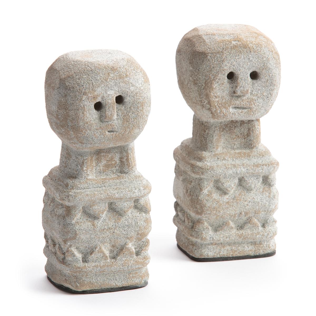 2 статуэтки из камня Выс15 см, Aph?lie2 статуэтки Aph?lie . По традиции островов Тимор, эти статуэтки размещают на верхнюю часть дома для его защиты . В ваш интерьер они привнесут нотку экзотики и шика . Из камня, покрытого светлым порошком . Размеры : L6 x H15 x P6 см .<br><br>Цвет: каштановый