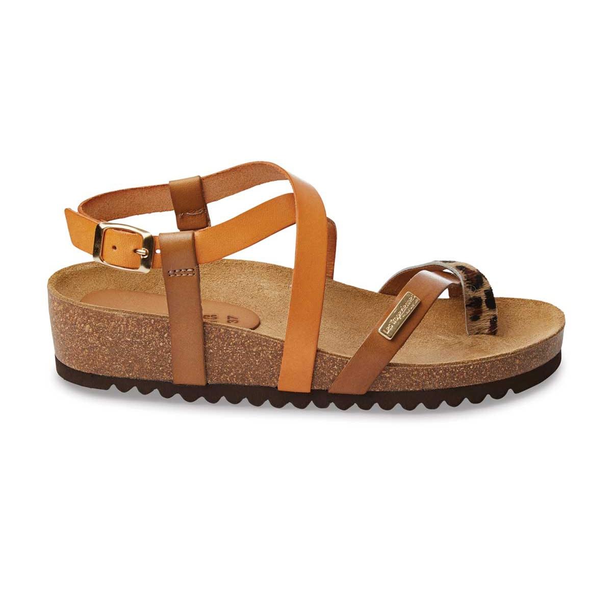Босоножки кожаные PatioВерх/Голенище : кожа   Стелька : невыделанная кожа  Подошва : синтетика  Высота каблука : 3 см  Форма каблука : плоский каблук  Мысок : закругленный мысок  Застежка : пряжка<br><br>Цвет: каштановый / оранжевый<br>Размер: 40