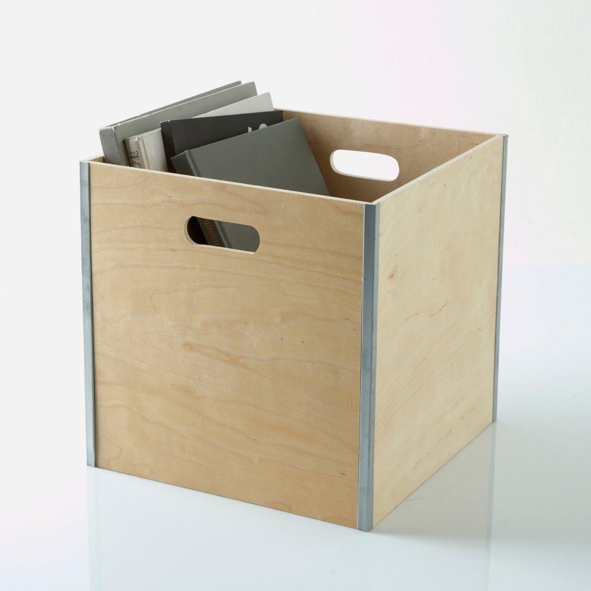Ящик для хранения из дерева и металла.Стенки из дерева.Металлическая окантовка.Размеры ящика снаружи: 32 x 32 x 32 см.<br><br>Цвет: бежевый экрю