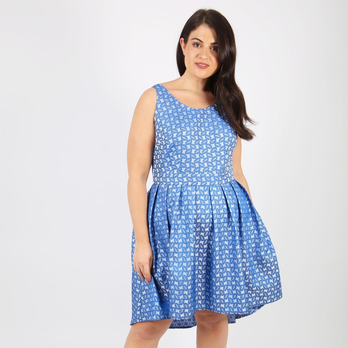 Платье расклешенное средней длины, с жаккардовым рисунком