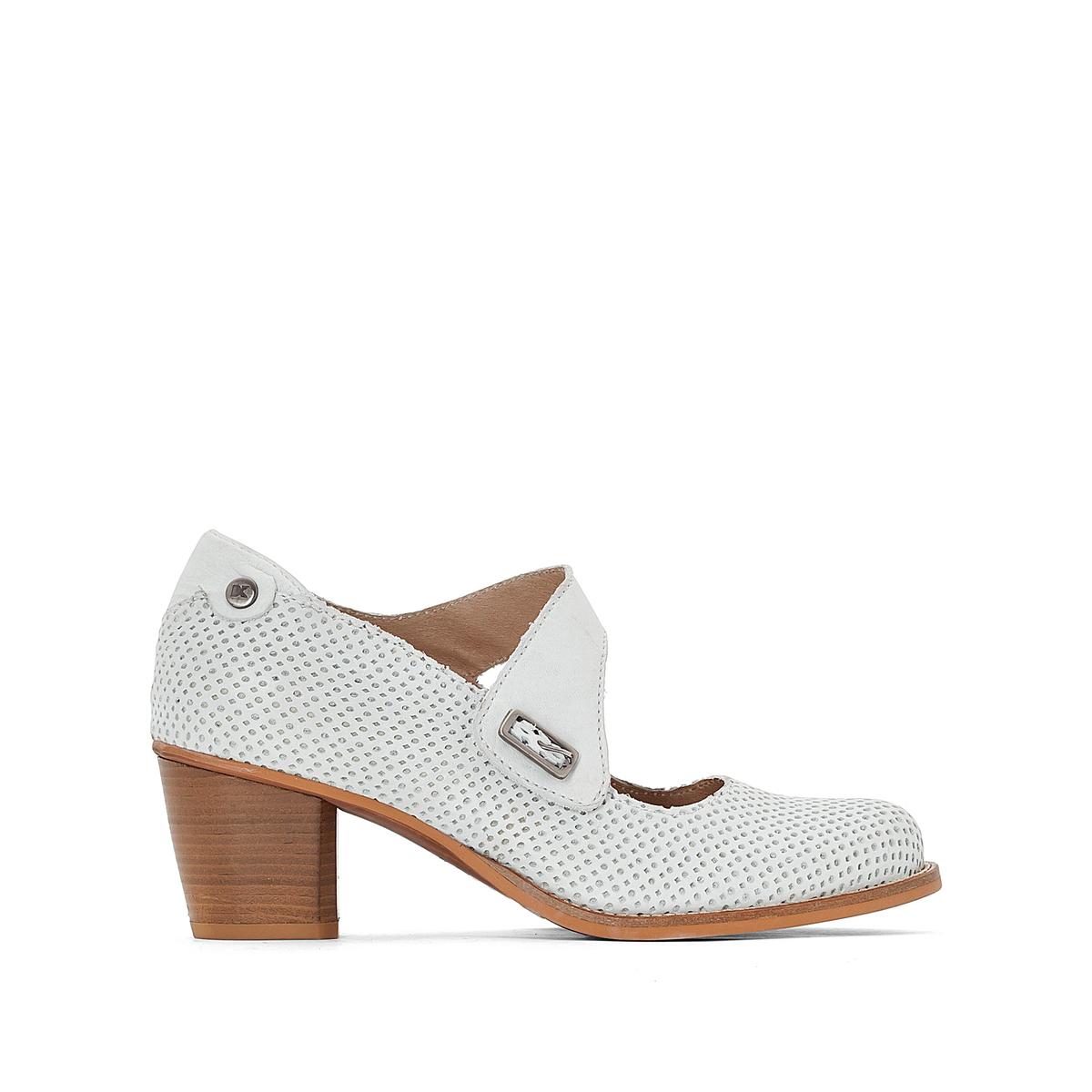 Туфли кожаные с пряжкой BeckyВерх : кожа   Подкладка : кожа   Стелька : кожа   Подошва : резина   Высота каблука : 5 см   Форма каблука : квадратный каблук   Мысок : закругленный мысок  Застежка : пряжка<br><br>Цвет: белый<br>Размер: 37.38