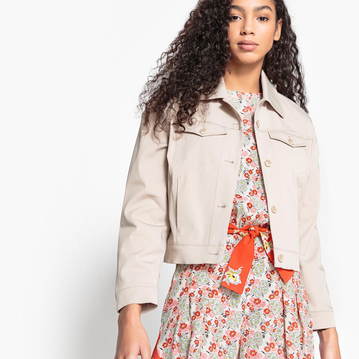 Куртка прямая в офисном стиле с застежкой на пуговицы