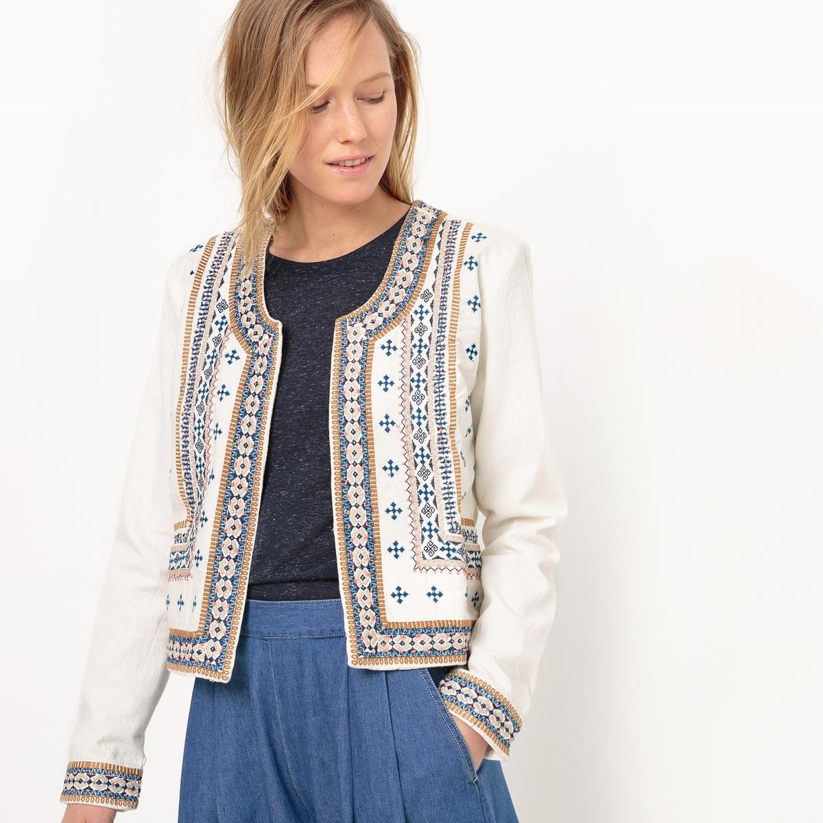 Жакет в народном стиле с вышивкой