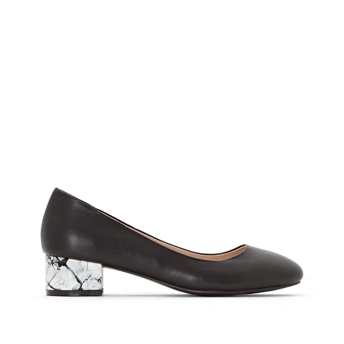 Балетки из кожи на оригинальном каблукеМарка : CASTALUNA.Модель подходит : для широкой ступни.Верх : кожа.Подкладка : полиуретан.Стелька : кожа.Подошва : эластомер.Каблук  : 4 см.Преимущества : оригинальный каблук .<br><br>Цвет: черный<br>Размер: 41.42.38.39.40