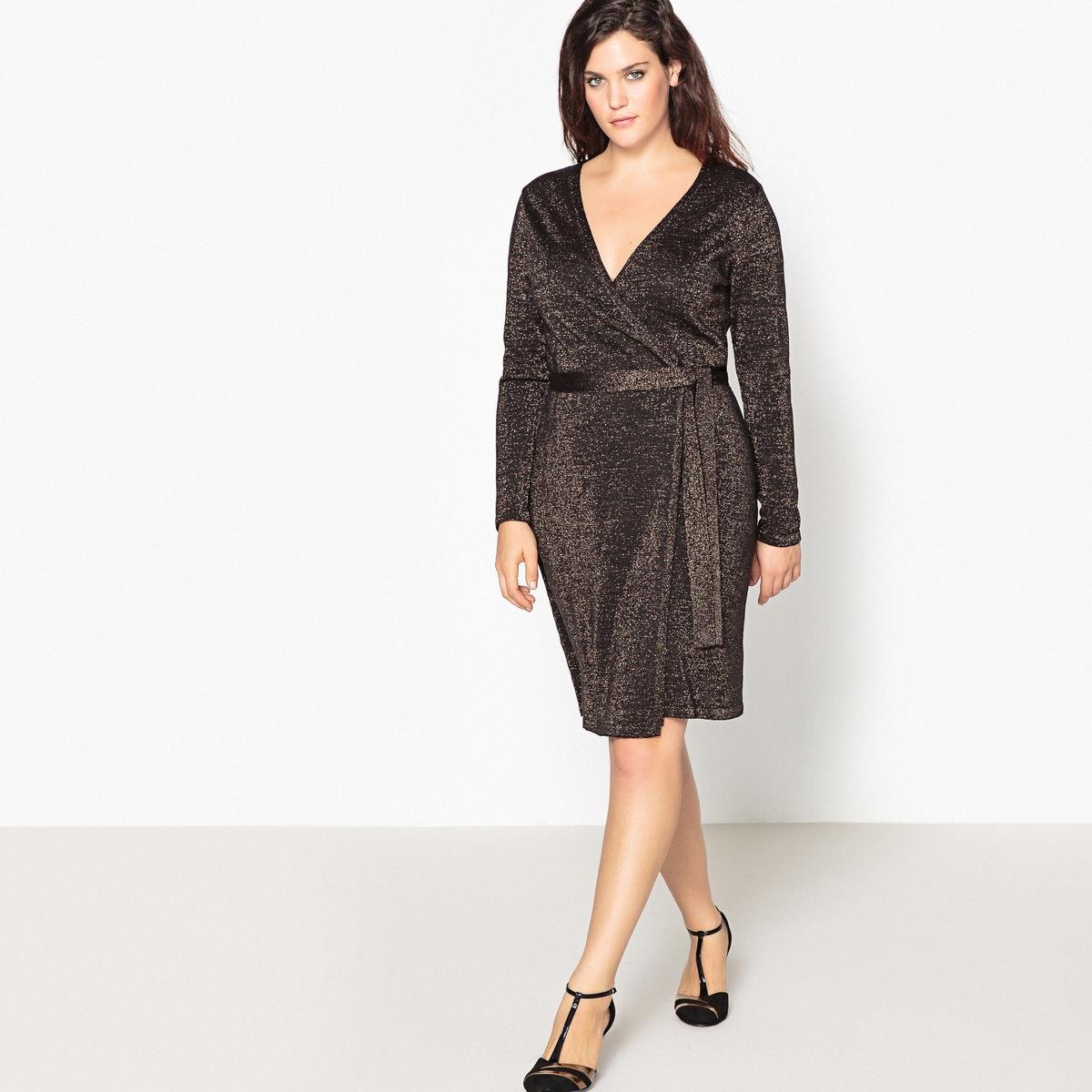 Платье с запахом средней длины и длинными рукавамиОчень элегантное и ультра женственное платье с запахом . Платье с запахом из блестящего трикотажа идеально для вечерних выходов в свет.Детали •  Форма : с запахом  •  Длина до колен •  Длинные рукава    •   V-образный вырезСостав и уход •  84% акрила, 6% металлизированных волокон, 10% полиэстера •  Температура стирки 30° на деликатном режиме   • Низкая температура глажки / не отбеливать   •  Не использовать барабанную сушку • Сухая чистка запрещенаТовар из коллекции больших размеров<br><br>Цвет: черный/золотистый люрекс