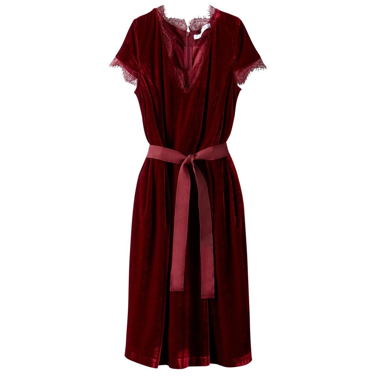 Платье из велюра с кружевом