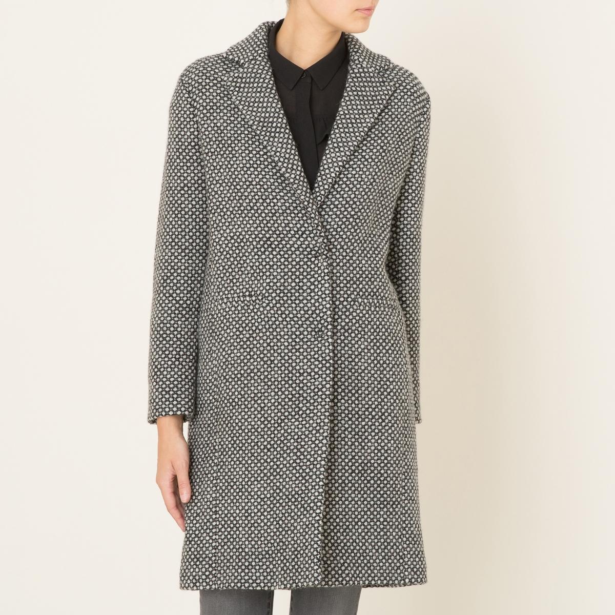 Пальто PARIOПальто DIEGA - модель PARIO, из твида. Пальто в стиле пардессю. Пиджачный воротник. 2 прямых кармана. Застежка на 2 кнопки.Состав и описание    Материал : 100% полиэстер   Длина : посередине сзади 95 см. (для размера S)   Марка : DIEGA<br><br>Цвет: черный/ белый<br>Размер: XL