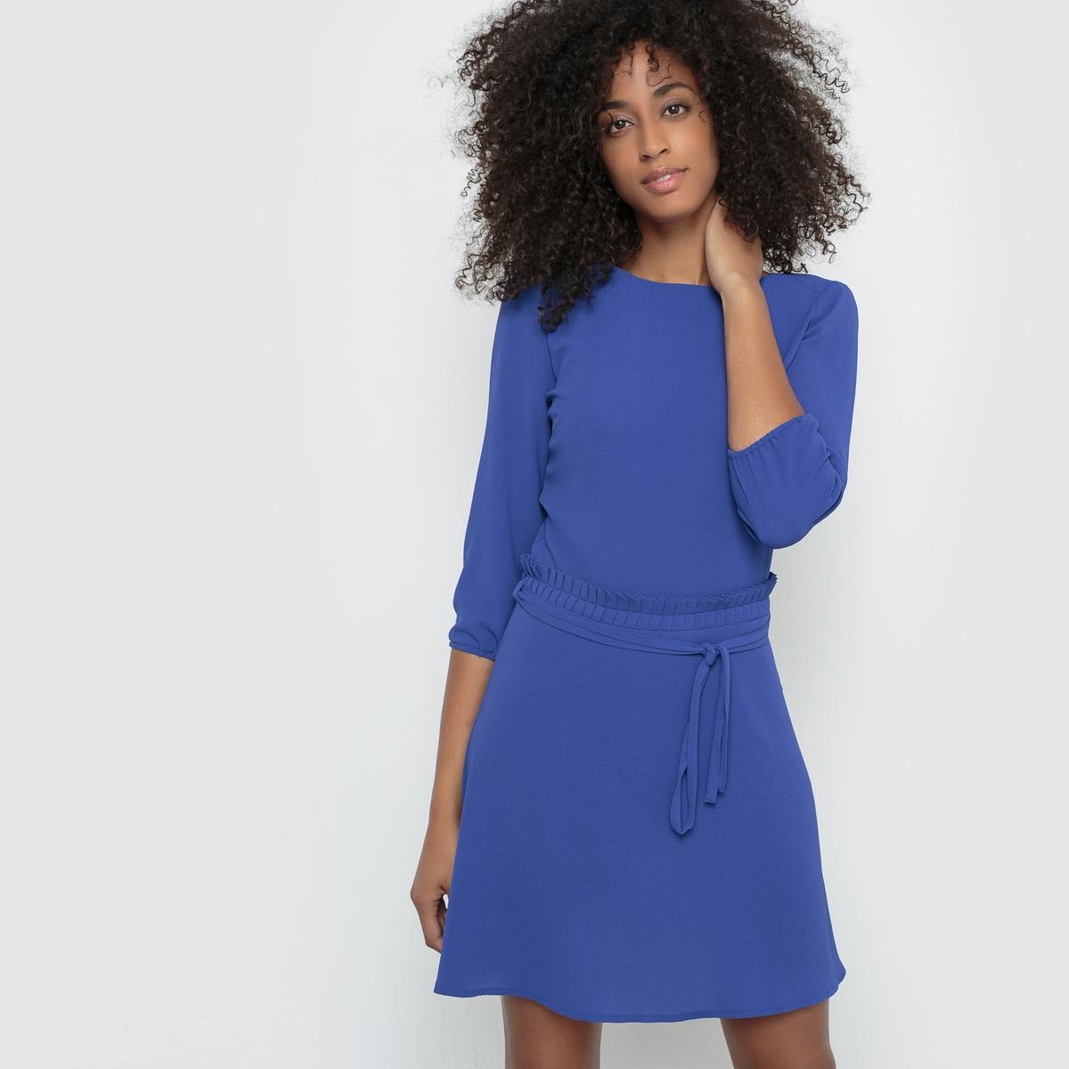Платье-рубашкаПлатье с рукавами 3/4  R ?dition. Платье-рубашка с рельефным эффектом. Пояс и низ рукавов с завязками. Слегка расширяющийся к низу покрой, вырез сзади. Состав и описание :Материал : 96% полиэстера, 4% эластанаМарка :      R ?ditionДлина : 115 смУходМашинная стирка при 30 °С с вещами схожих цветов Стирать и гладить с изнаночной стороныГладить при умеренной температуре<br><br>Цвет: черный,ярко-синий<br>Размер: 38 (FR) - 44 (RUS)