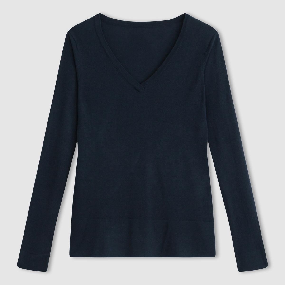Пуловер объемного покроя с V-образным вырезомПуловер объемного покроя, V-образный вырез. 50% акрила, 50% вискозы. Длинные рукава. Контрастные отвороты низа и манжет.  Длина 66 см.<br><br>Цвет: черный<br>Размер: 42/44 (FR) - 48/50 (RUS)