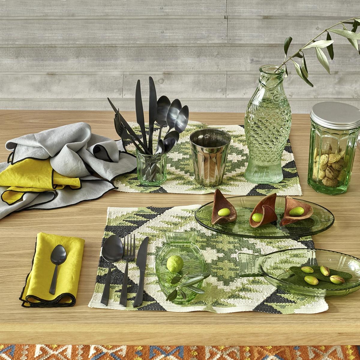 Комплект из 2 столовых приборов  Saxanka2 столовых прибора Saxanka добавят оригинальности Вашему столу. Рисунок икат, из ПВХ. Размеры. 35 x 45 см.<br><br>Цвет: зеленый/черный/белый