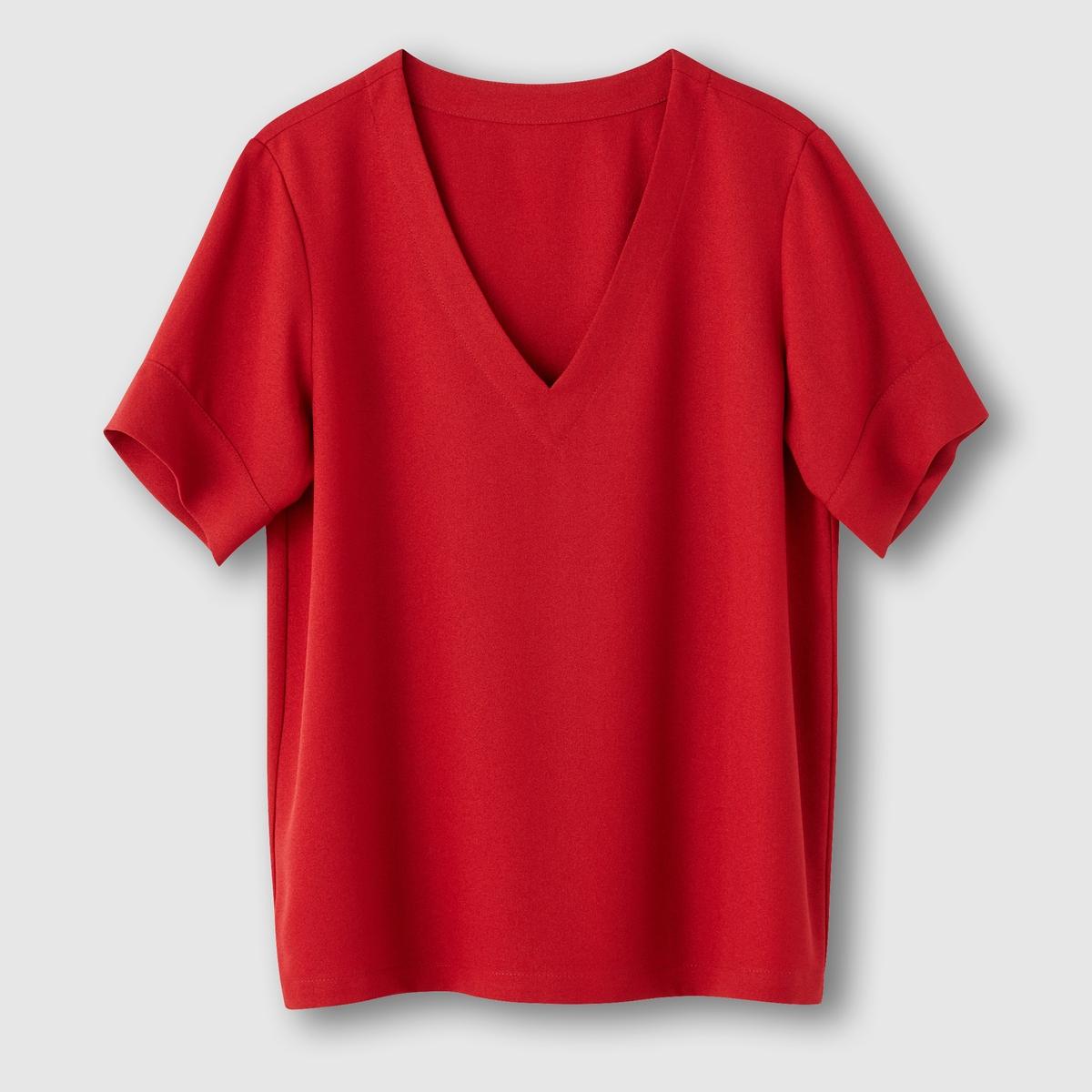 Блузка с короткими рукавами и V-образным вырезомБлузка с короткими рукавами R essentiel . Прямой покрой и объемный покрой . V-образный вырез. Состав и описаниеМарка : R essentiel.Материалы : 100% полиэстерУход : Машинная стирка при 30 °CСтирка с одеждой подобного цвета, стирка и глажка с изнанки Глажка на низкой температуре Машинная сушка разрешена на умеренном режиме<br><br>Цвет: красный