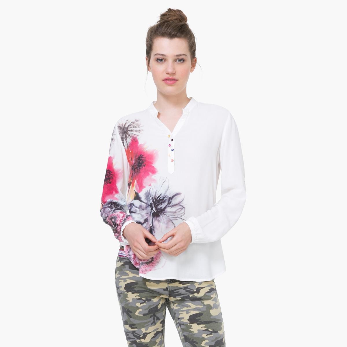 Блузка с рисунком и рукавами с отворотомМатериал : 100% вискоза   Длина рукава : Длинные рукава Форма воротника : Тунисский воротник Длина блузки  : Стандартная  Рисунок : С рисунком<br><br>Цвет: белый<br>Размер: M.L