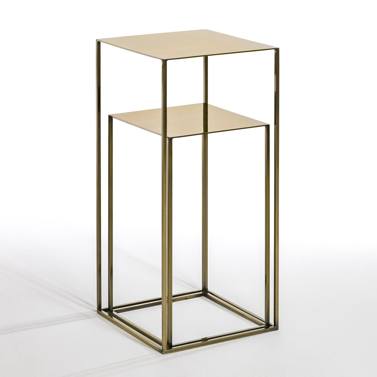 Комплект из 2-х столиков RomyКомплект из 2-х столиков Romy. Преимущества этой мебели - утонченные линии и современный стиль.  Металлические столики могут стоять рядом и создавать графичный эффект ступеней или могут стоять отдельно. Меньшая модель может служить журнальным или придиванным столиком.Характеристики:Из оцинкованного металла с отделкой латунью  под старину.Доставляется уже собранным.Размеры:- Д30 x В54 x Ш30 см и Д34 x В74 x Ш34 см.Размеры и вес упаковки:- Д41,5 x В79,5 x Ш41,5 см, 16,5 кг.<br><br>Цвет: латунь